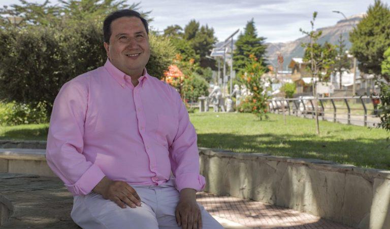 Candidato a alcaldía de Coyhaique Juan Catalán destaca programa anti neoliberal de lista Municipal