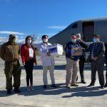 Gobierno Vacuna: Aterrizaron dos mil 525 dosis de vacunas Pfizer a la Región de Aysén