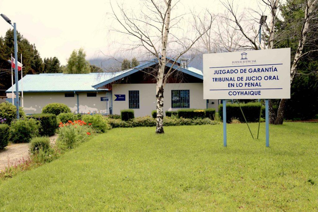Decretan prisión preventiva para profesor de U. de Aysén acusado de violación a estudiante