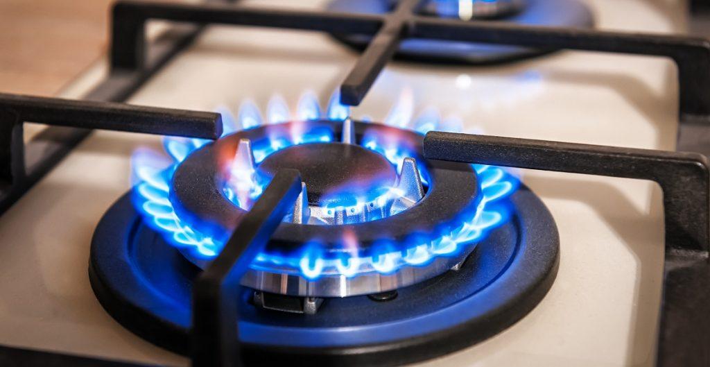 Diputado Calisto pidió que se investigue una posible colusión en las empresas de gas