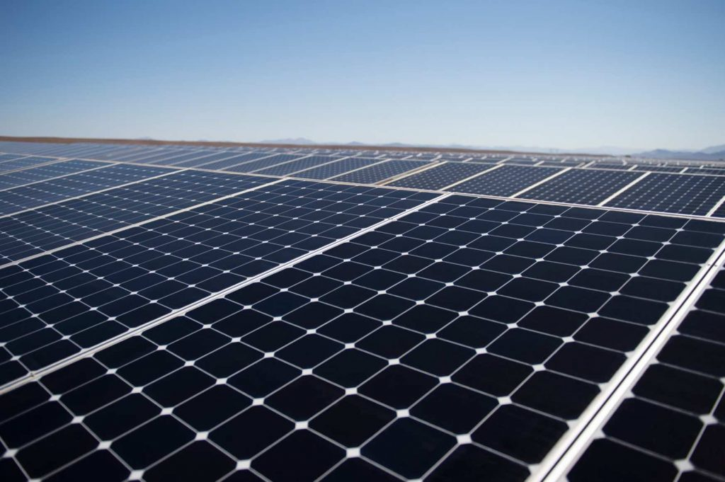 Coyhaique: Este año se concretará la central fotovoltaica más austral de América