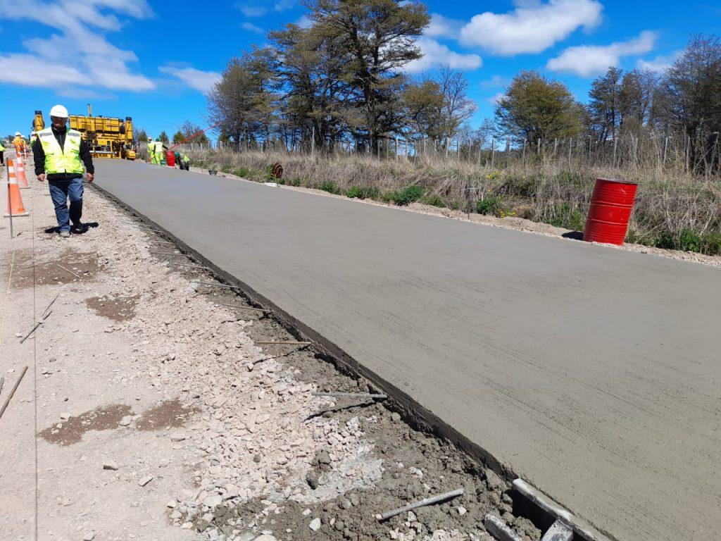 Inició la pavimentación del camino Villa Ortega – Mano Negra
